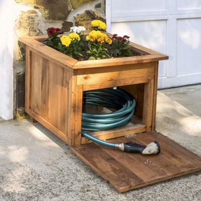 DIY Pallet wood hose holder with planter (woodworking plan)