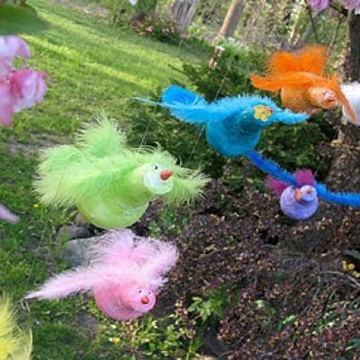 DIY fun light bulb birds with feathers - recycle craft