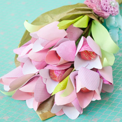 DIY easy paper tulip chocolate bouquet (free printable)
