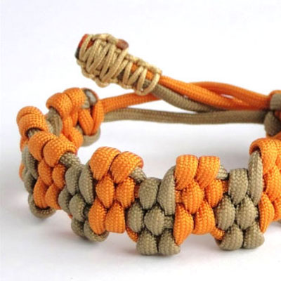 DIY Zigzag trilobite paracord survival bracelet