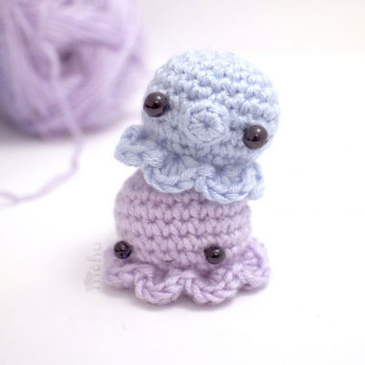 Miniature kawaii crochet octopus - free amigurumi pattern