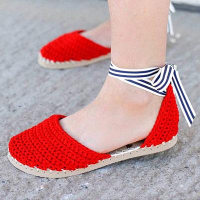 DIY Crochet espadrilles with flip-flop soles (free pattern)