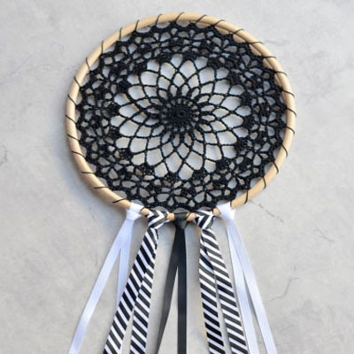 DIY Crochet dream catcher (free crochet pattern)