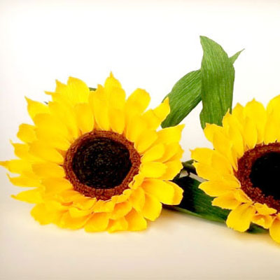 DIY Sunflower paper flower from crepe paper