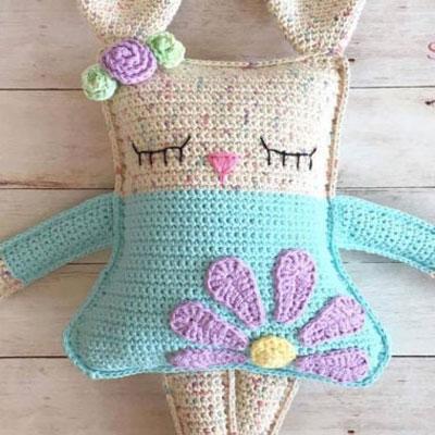 DIY Ragdoll spring bunny - free amigurumi Pattern