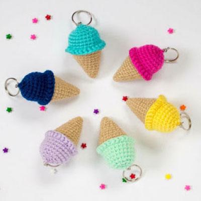 Free ice cream cone keychain amigurumi pattern (crochet)