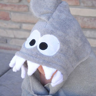 DIY Shark hooded towel for kids  - sewing tutorial