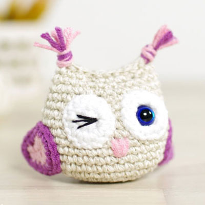 DIY Small winking amigurumi owl - free crochet owl pattern