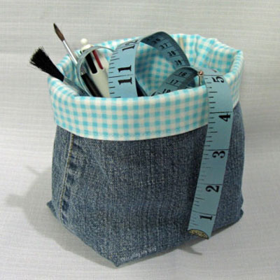 DIY Denim fabric baskets - creative upcycling (free sewing pattern)