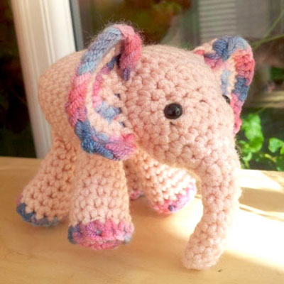 Little pink amigurumi elephant - free crochet pattern
