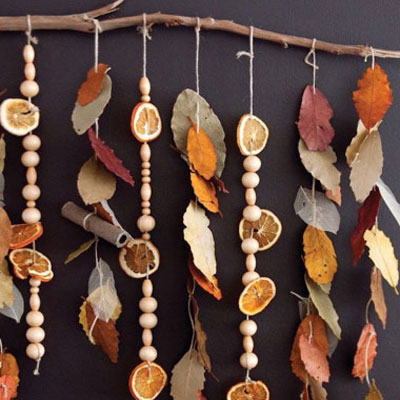 DIY hanging potpourri autumn wall decor (dried orange and cinnamon)