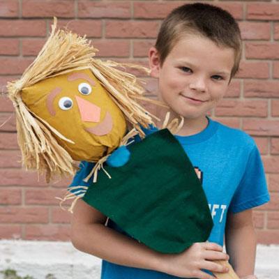 DIY Oz paper bag scarecrow - fun fall craft for kids