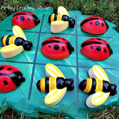 DIY Bug party Tic-tac-toe game with plaster