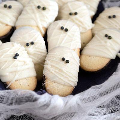 Mummy milano cookie - creative Halloween dessert for kids