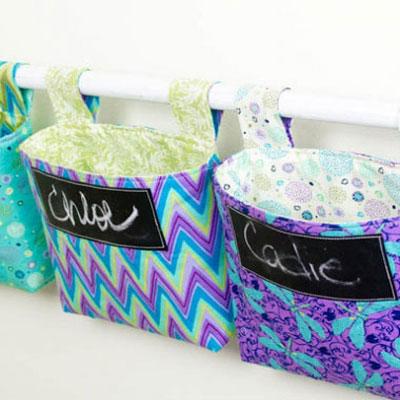 DIY Easy hanging storage baskets ( free sewing pattern )