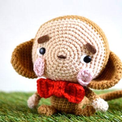 Little amigurumi monkey with bow (free crochet pattern)