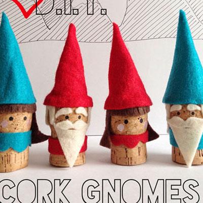 Winter felt cork gnomes - wine cork craft for kids
