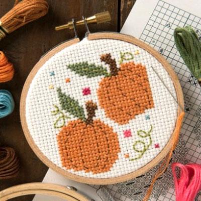 Free fall pumpkin cross stitch pattern