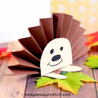 Easy paper rosette hedgehog - fall paper craft for kids
