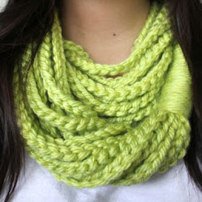 Easy crochet chain loop scarf (free crochet pattern)
