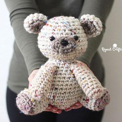 Adorable amigurumi bear (free crochet pattern)
