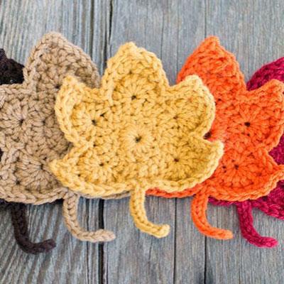 Fall maple leaves (free crochet pattern)