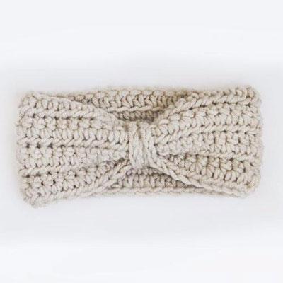 Easy cozy winter ribbon ear warmer (free crochet pattern)