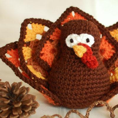 Cute amigurumi turkey (free crochet pattern)