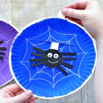 Simple spider web paper plate craft - Halloween craft for kids