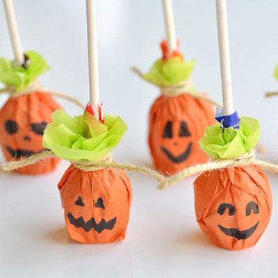 Pumpkin lollipops - easy Halloween party favors