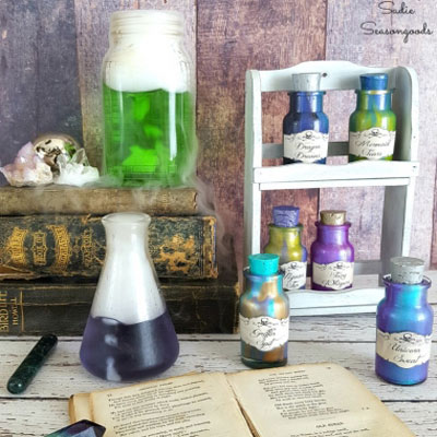 DIY Halloween magic potion bottle decor - upcycling craft