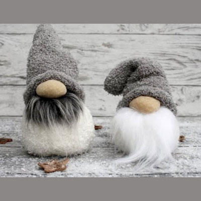 DIY Sock Christmas gnomes - easy winter decor