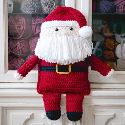 Cuddly Santa Claus pillow toy (free crochet pattern)