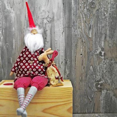 Tilda style Santa toy (free sewing pattern & tutorial)