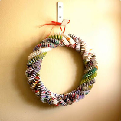 Easy DIY origami magazine wreath