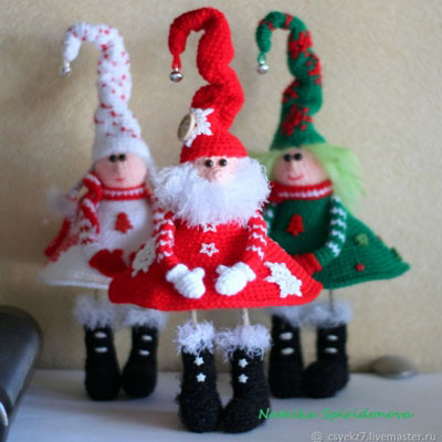Standing amigurumi Christmas gnome (russian crochet pattern)