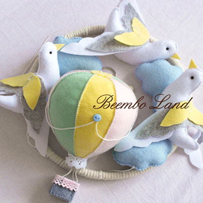 DIY Felt dove & balloon baby mobile (free sewing pattern)