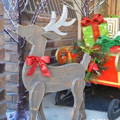 DIY Rustic wood reindeer decor (free woodworking plan)
