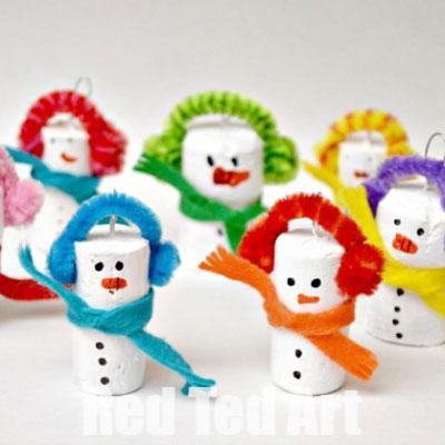 DIY Wine cork snowman - easy Christmas craft for kids