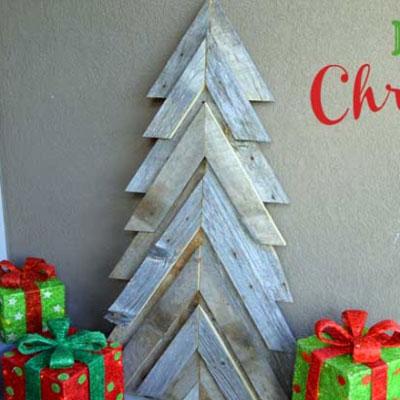 DIY Rustic pallet wood Christmas tree (free woodworking plan)