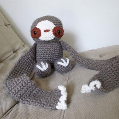 Crochet sloth scarft - free crochet pattern