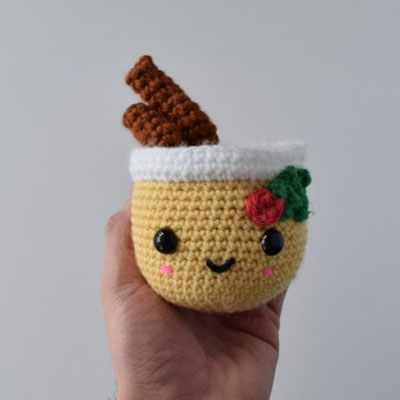 Little kawaii crochet eggnog - free amigurumi pattern