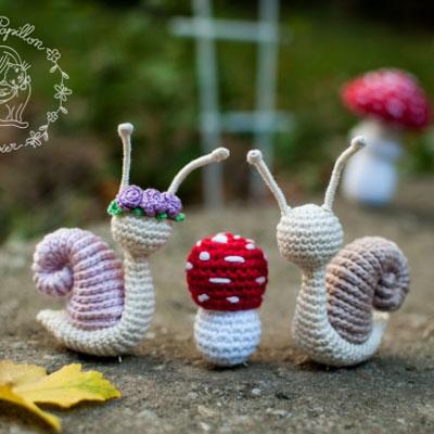 Amigurumi snails and toadstool mushrooms (free pattern)