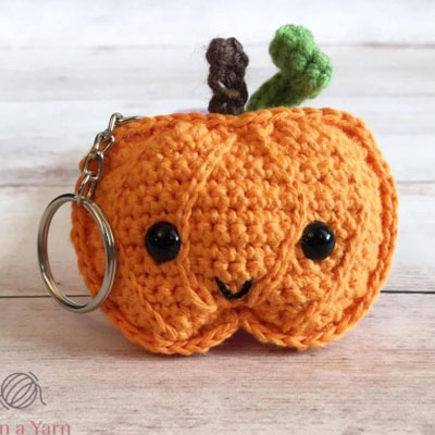 Little kawaii crochet pumpkin keychain - free crochet pattern
