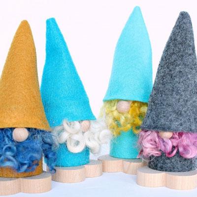 DIY Little felt Christmas gnome ( Scandinavian gnome )