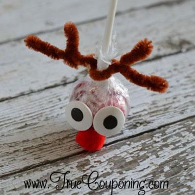 Rudolph reindeer lollipop - quick Christmas party favor