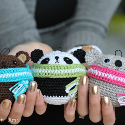 Amigurumi bear Christmas ornament - free crochet pattern