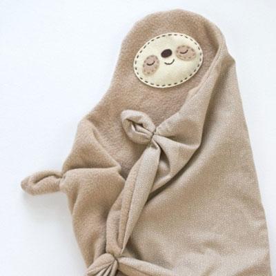 Sleepy sloth snuggler (teether) baby toy - free sewing pattern