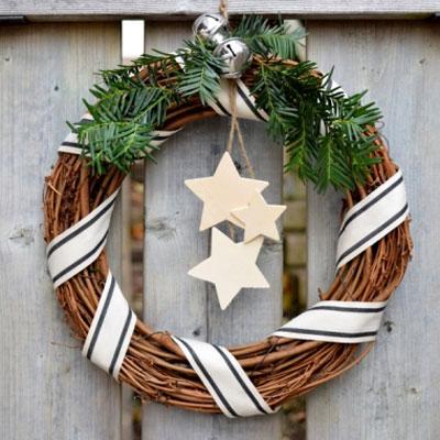 Easy DIY Rustic (vintage) Christmas wreath