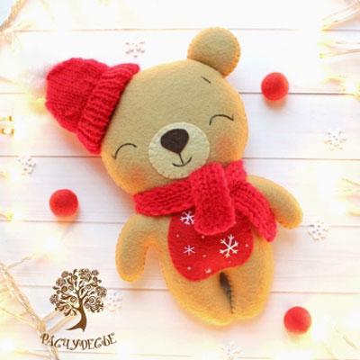 DIY Felt winter bear (free sewing pattern)